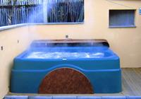 Wirbelnde massageschwimmbecken